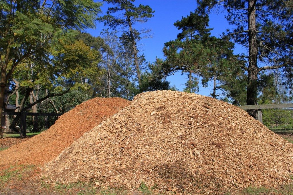 Firewood, mulch and wood chip wholesaler to public